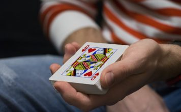 male online poker players